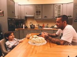 Рэпер Гуф замечательно проводит время с собственным сыном